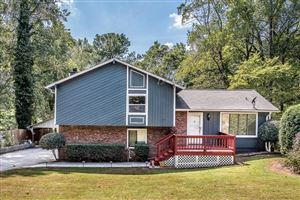 Photo of 2424 Landington Way, Duluth, GA 30096 (MLS # 6623780)