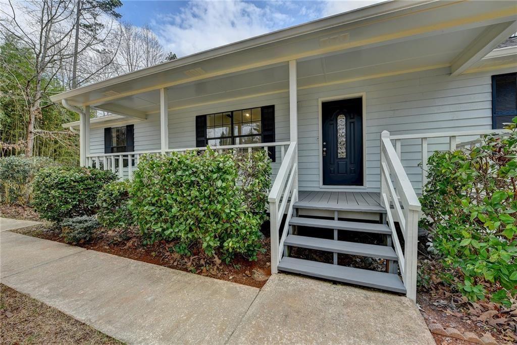 Photo of 4725 Ben Hill Drive, Oakwood, GA 30566 (MLS # 6853791)