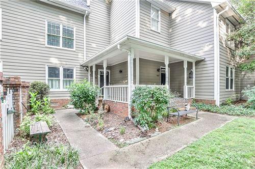 Photo of 1467 Oakridge Circle, Decatur, GA 30033 (MLS # 6928795)