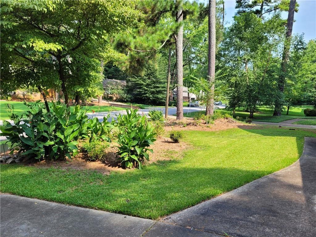 Photo of 777 Foxcroft Circle SE, Marietta, GA 30067 (MLS # 6923826)