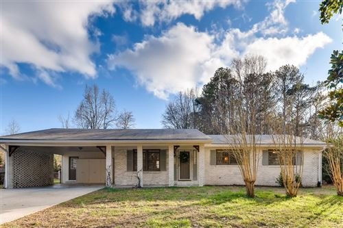 Photo of 5771 Due West Road, Kennesaw, GA 30152 (MLS # 6678833)