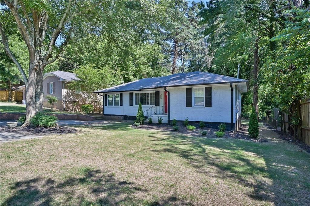 Photo of 3327 Glenco Drive, Decatur, GA 30032 (MLS # 6901860)