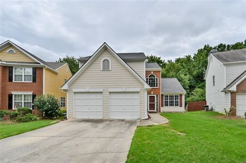 Photo of 1095 Crabapple Lake Circle, Roswell, GA 30076 (MLS # 6757868)
