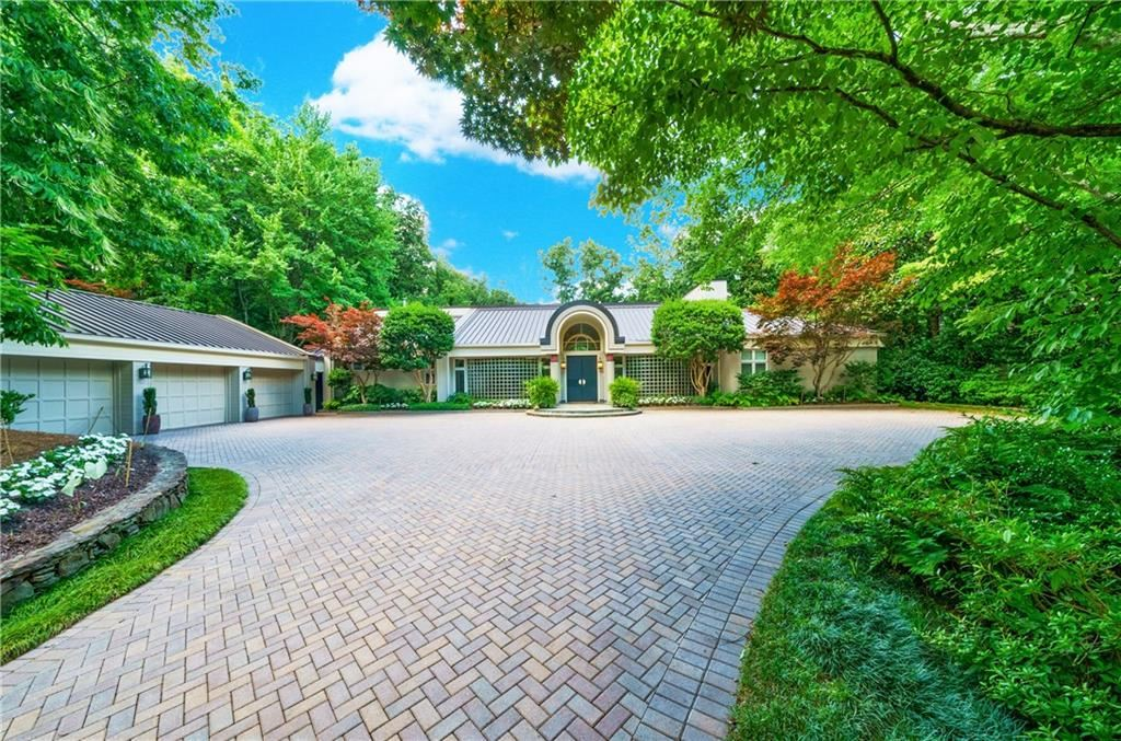 Photo of 30 Finch Forest Trail NW, Sandy Springs, GA 30327 (MLS # 6948895)