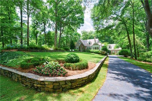 Photo of 1574 Cave Road NW, Atlanta, GA 30327 (MLS # 6948900)