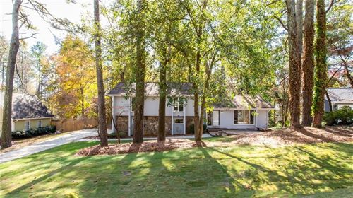 Photo of 3052 Bunker Hill Road, Marietta, GA 30062 (MLS # 6588903)