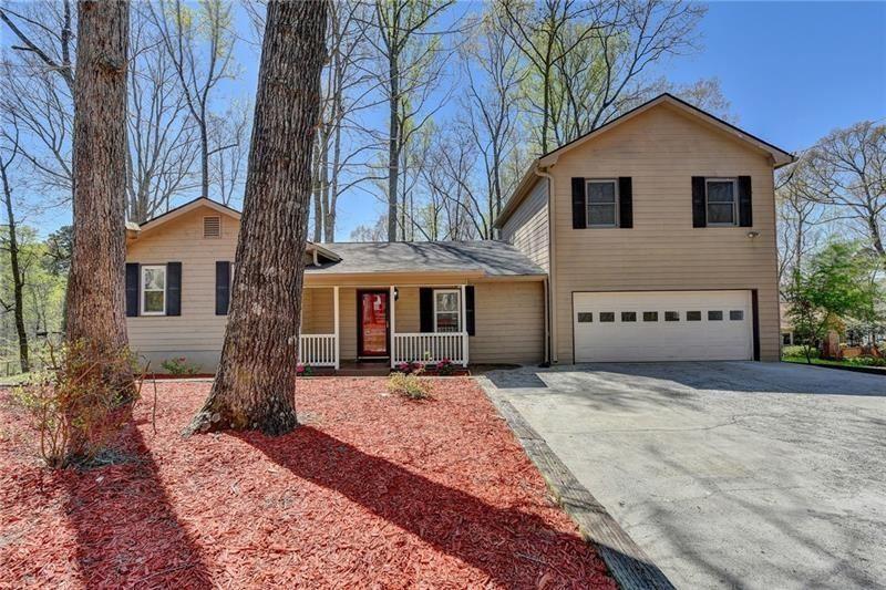 Photo of 9530 Cain Circle, Gainesville, GA 30506 (MLS # 6865906)