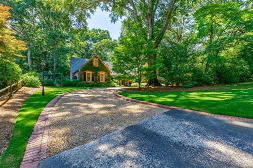 Photo of 4044 Glen Devon Drive, Atlanta, GA 30327 (MLS # 6900923)