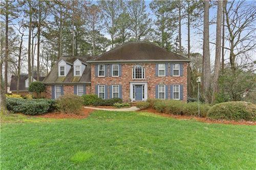 Photo of 8550 Woodledge Lane, Roswell, GA 30076 (MLS # 6697946)