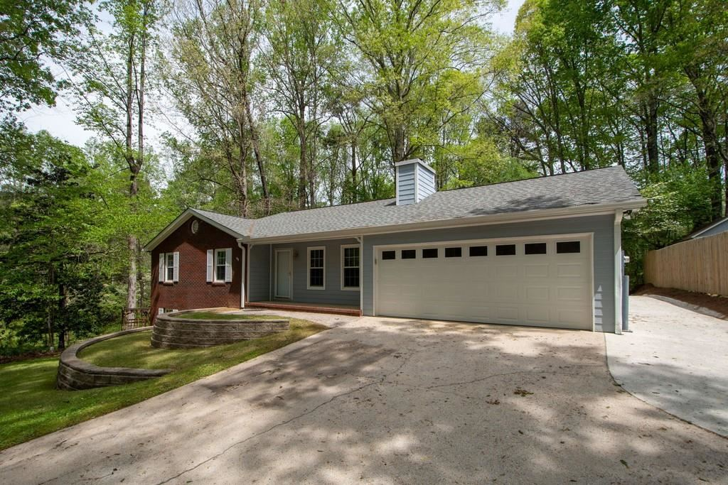 Photo of 5019 Dogwood Hills Drive, Sugar Hill, GA 30518 (MLS # 6869976)