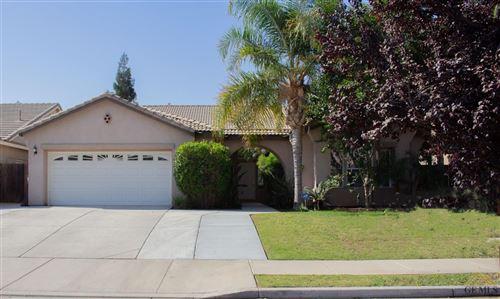 Photo of 10043 Seneca Falls Avenue, Bakersfield, CA 93312 (MLS # 202111212)