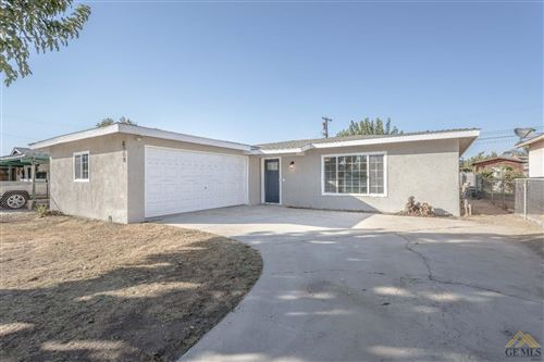 Photo of 8308 Palm Avenue, Lamont, CA 93241 (MLS # 202111291)