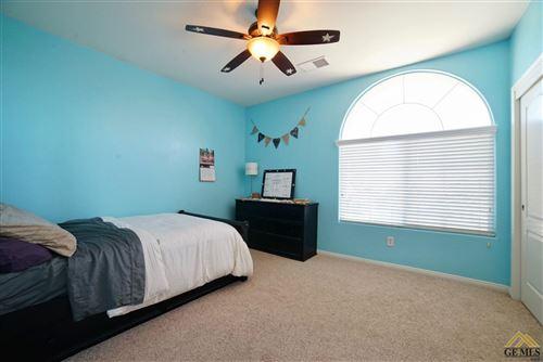 Tiny photo for 10728 Alexander Falls, Bakersfield, CA 93312 (MLS # 202012296)