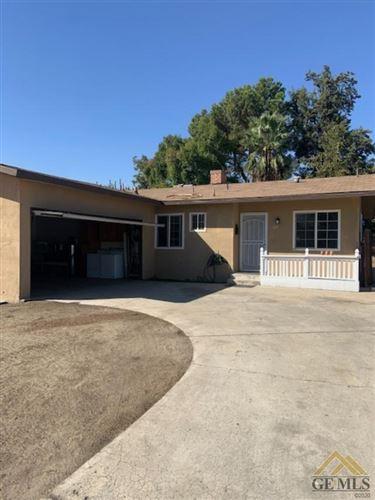 Photo of 617 El Toro Drive, Bakersfield, CA 93304 (MLS # 202111301)