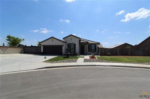 Photo of 9517 Red Pine Drive, Shafter, CA 93263 (MLS # 202003387)