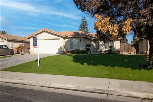 Photo of 5818 Pine Canyon Drive, Bakersfield, CA 93313 (MLS # 202012476)