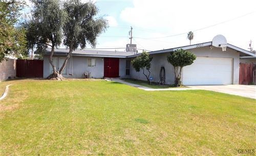 Photo of 3512 El Alisal Street, Bakersfield, CA 93304 (MLS # 202011675)