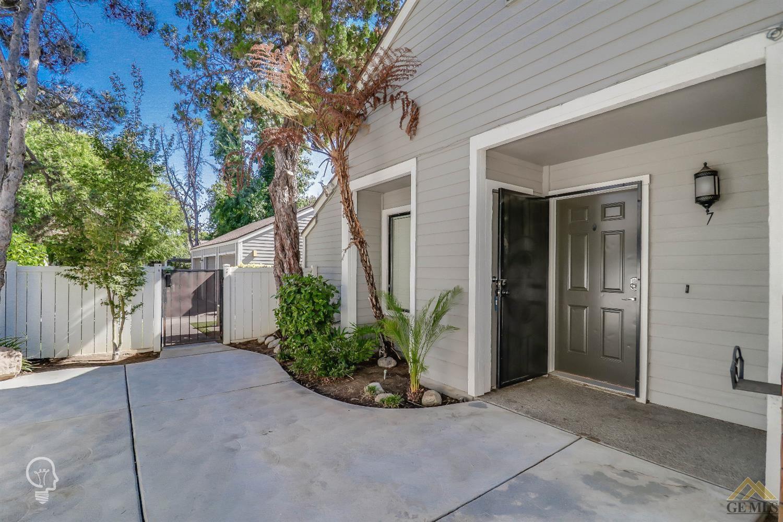 Photo for 8000 Kroll Way #7, Bakersfield, CA 93311 (MLS # 202007680)