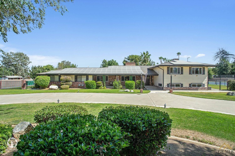 Photo for 34322 Saunders Street, Bakersfield, CA 93314 (MLS # 202007684)