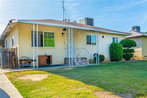 Photo of 305 Curran Street, Bakersfield, CA 93309 (MLS # 202103929)