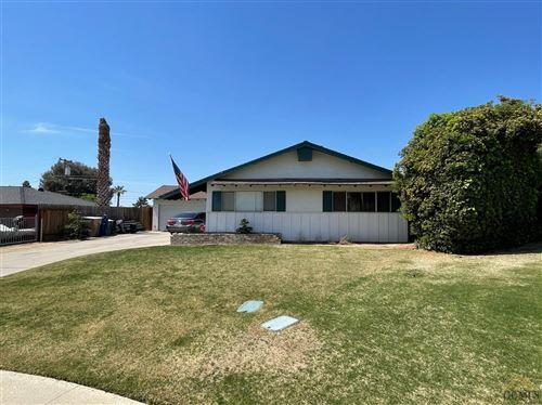 Photo of 2920 Staunton Court, Bakersfield, CA 93306 (MLS # 202103933)