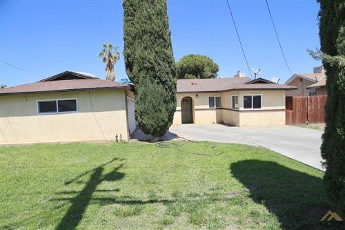 Photo of 3418 Mona Way, Bakersfield, CA 93309 (MLS # 202103935)