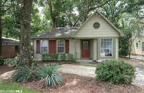 Photo of 808 Fairhope Avenue, Fairhope, AL 36532 (MLS # 305397)