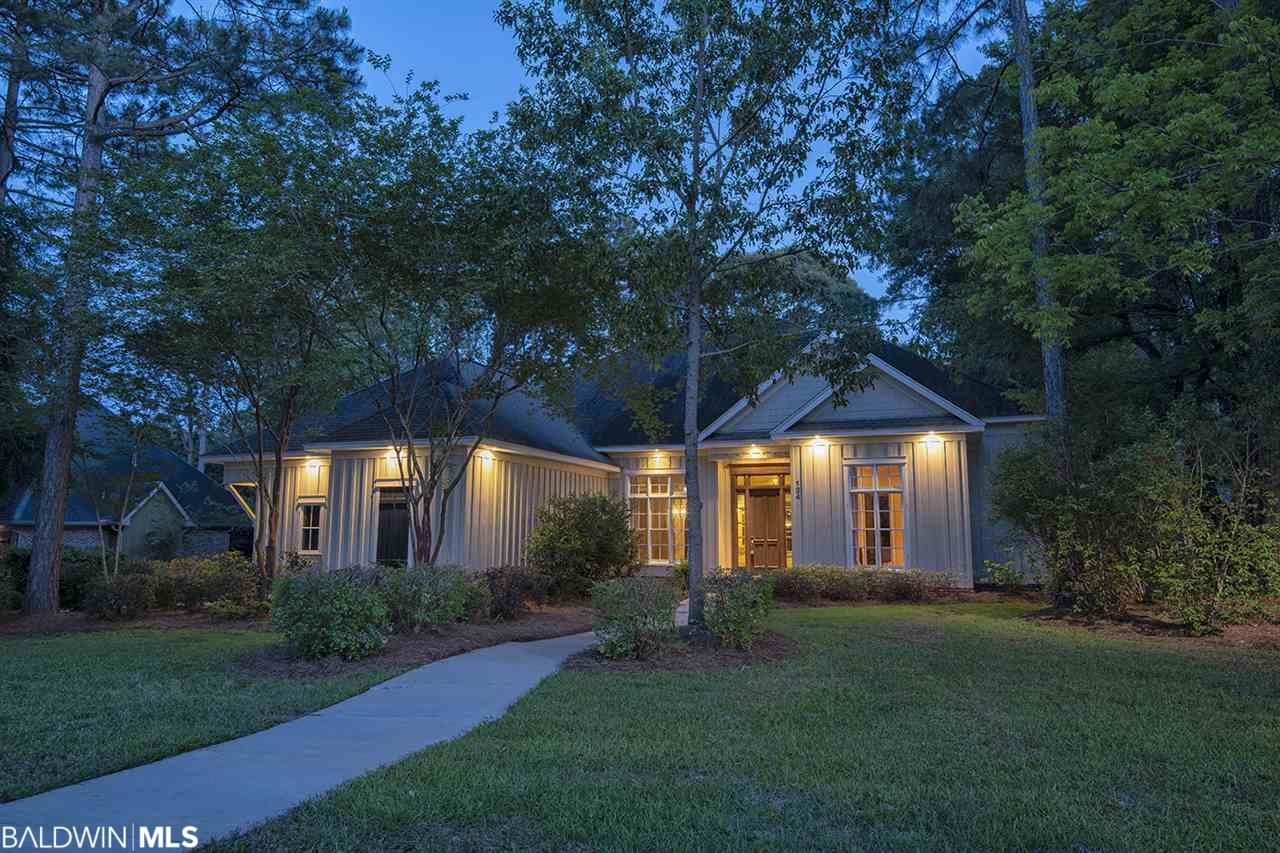 124 South Drive, Fairhope, AL 36532 - #: 296577