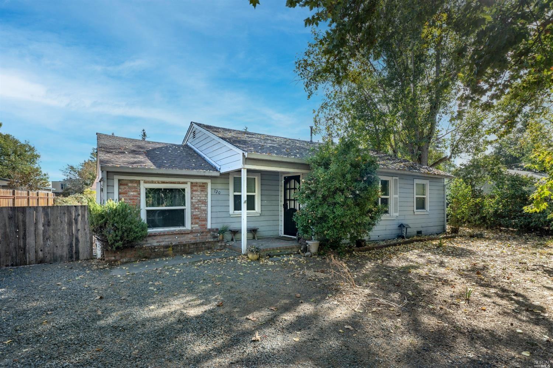 720 Blossom Way, Santa Rosa, CA 95401 - MLS#: 321096005