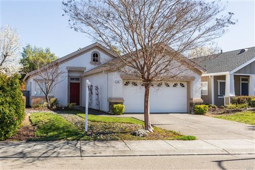 Photo of 113 Wisteria Circle, Cloverdale, CA 95425 (MLS # 22004014)