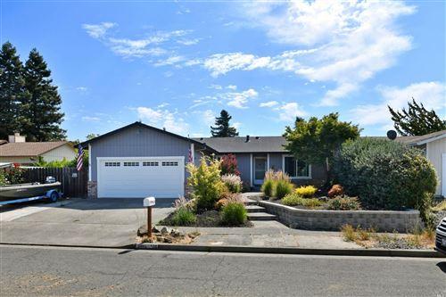 Photo of 518 Woodchuck Court, Santa Rosa, CA 95401 (MLS # 22031034)