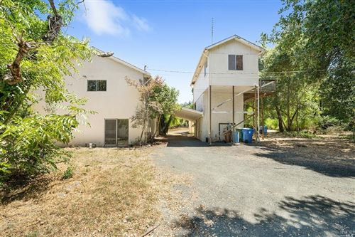 Photo of 720 Sunnyside Lane, Saint Helena, CA 94574 (MLS # 21921038)