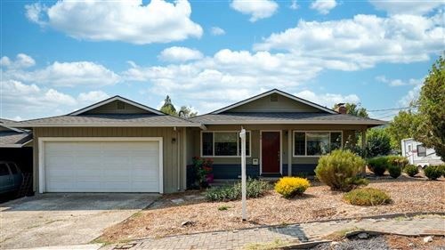 Photo of 86 Hillview Drive, Cloverdale, CA 95425 (MLS # 22021057)
