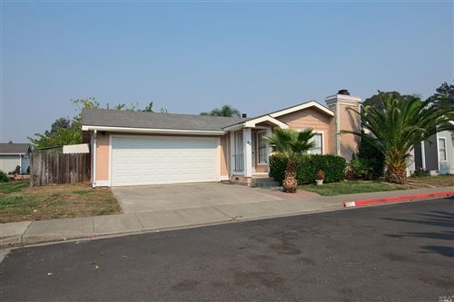 Photo of 40 Solera Lane, American Canyon, CA 94503 (MLS # 22023065)