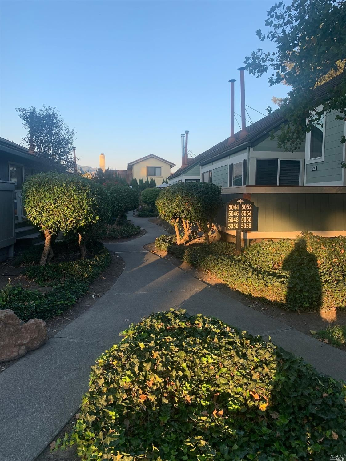 5058 - 938 Country Club Dr, Rohnert Park, CA 94928 - MLS#: 321091073