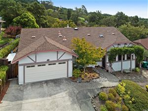 Photo of 924 Ridgeview Drive, Healdsburg, CA 95448 (MLS # 21923074)