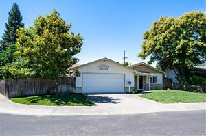 Photo of 256 Solano Lane, Vacaville, CA 95688 (MLS # 21918080)