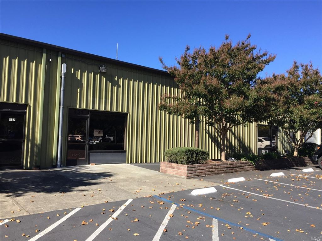 Photo for 435 Allan Court, Healdsburg, CA 95448 (MLS # 21828123)