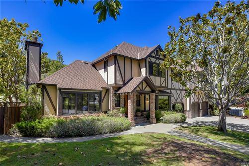 Photo of 18 Sagebrush Court, San Rafael, CA 94901 (MLS # 22017133)