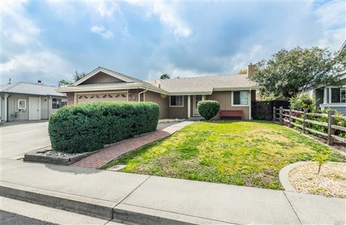Photo of 224 Wexford Lane, Vacaville, CA 95688 (MLS # 22007182)