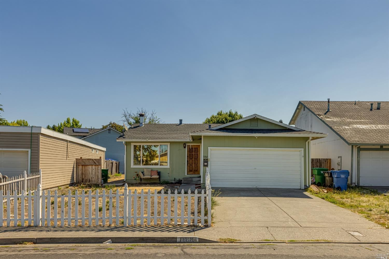 1186 Camino Coronado, Rohnert Park, CA 94928 - MLS#: 321054190