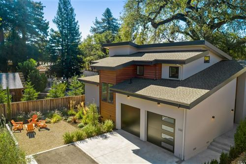 Photo of 533 Cloverdale North Boulevard, Cloverdale, CA 95425 (MLS # 22026197)