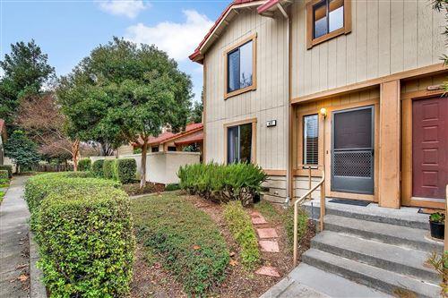 Photo of 422 Park Place Drive, Petaluma, CA 94954 (MLS # 22030213)