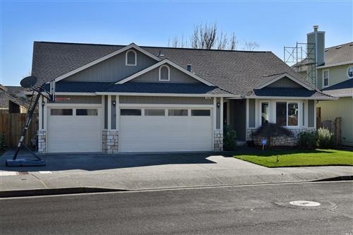 Photo of 118 Nottingham Way, Windsor, CA 95492 (MLS # 22003236)