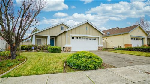 Photo of 115 Wisteria Circle, Cloverdale, CA 95425 (MLS # 22031249)