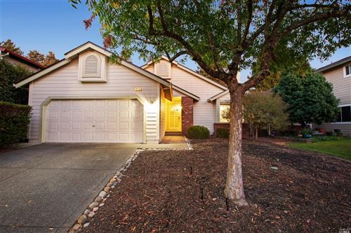 Photo of 2118 Longhorn Circle, Santa Rosa, CA 95401 (MLS # 22026256)