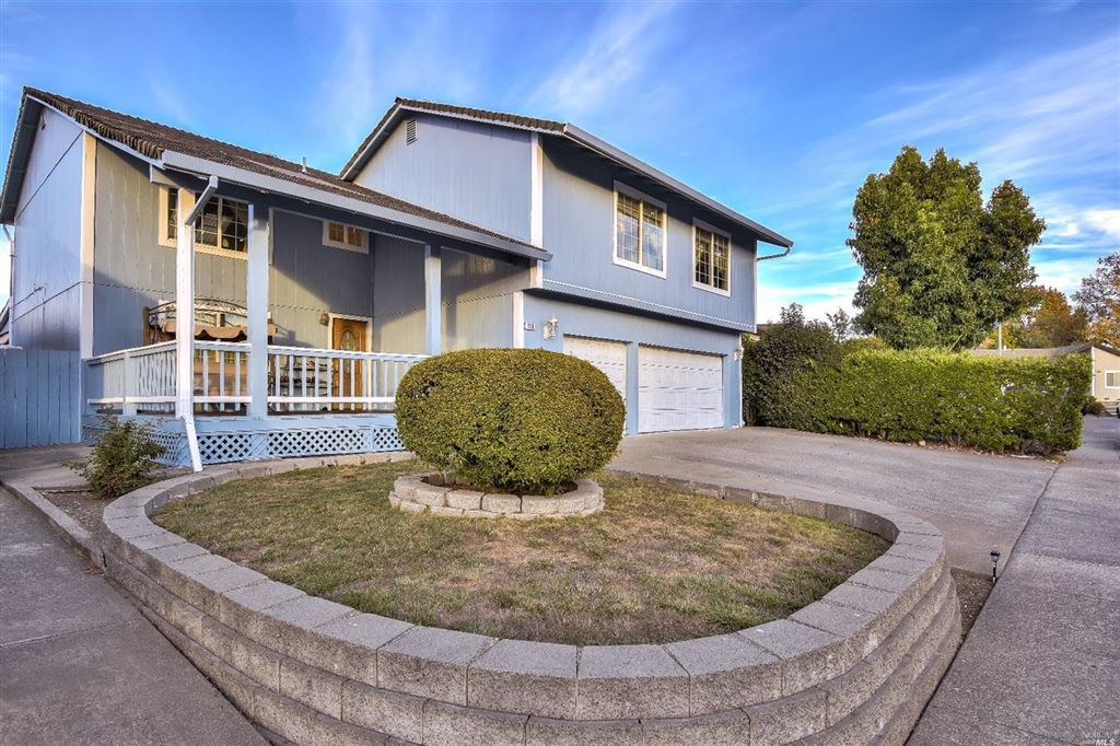 Photo for 936 Eve Court, Rohnert Park, CA 94928 (MLS # 21828267)