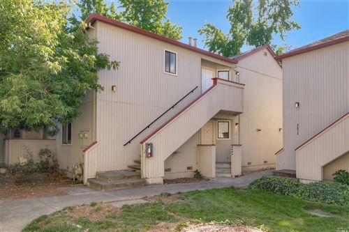 Photo of 2509 Westberry Drive, Santa Rosa, CA 95403 (MLS # 21928290)