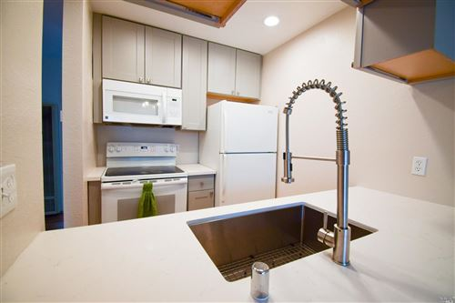 Photo of 236 Courtyards , Windsor, CA 95492 (MLS # 22023295)