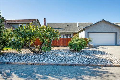 Photo of 810 Louise Drive, Petaluma, CA 94954 (MLS # 22025298)